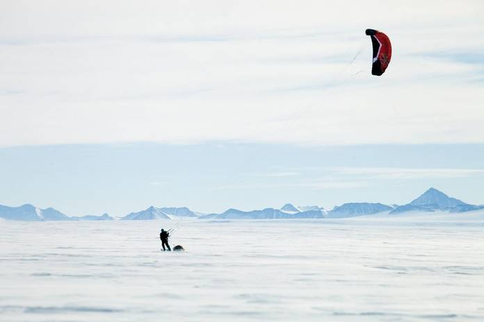 kite-skiing-cold.jpg.696x0_q70_crop-smart