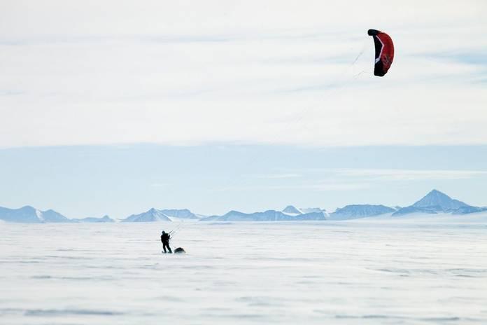 kite-skiing-cold.jpg.696x0_q70_crop-smart